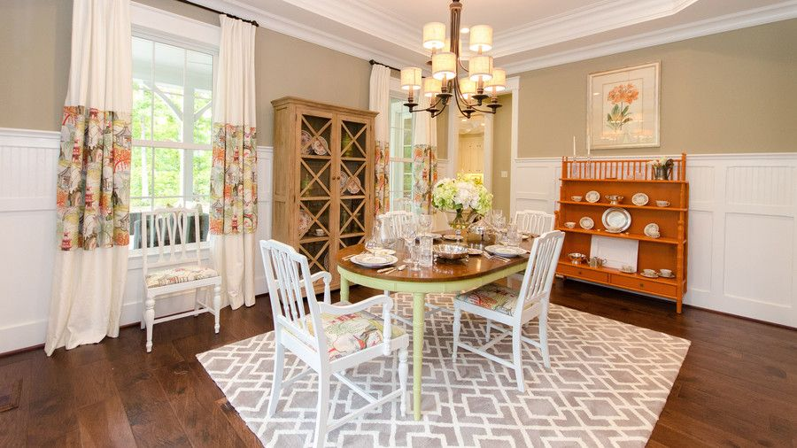 Créatif Home Concepts Dining Room