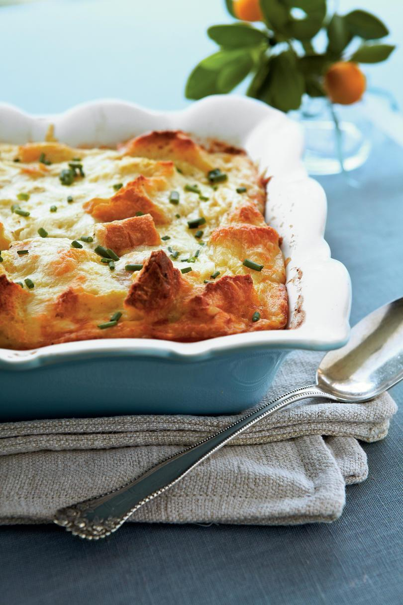 napravljen with Swiss and Parmesan cheese atop a base of french bread cubes, this creamy egg dish is worth waking for.