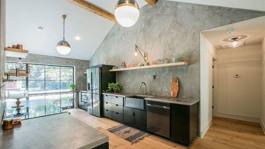 Fixateur Upper Industrial Design House for Sale