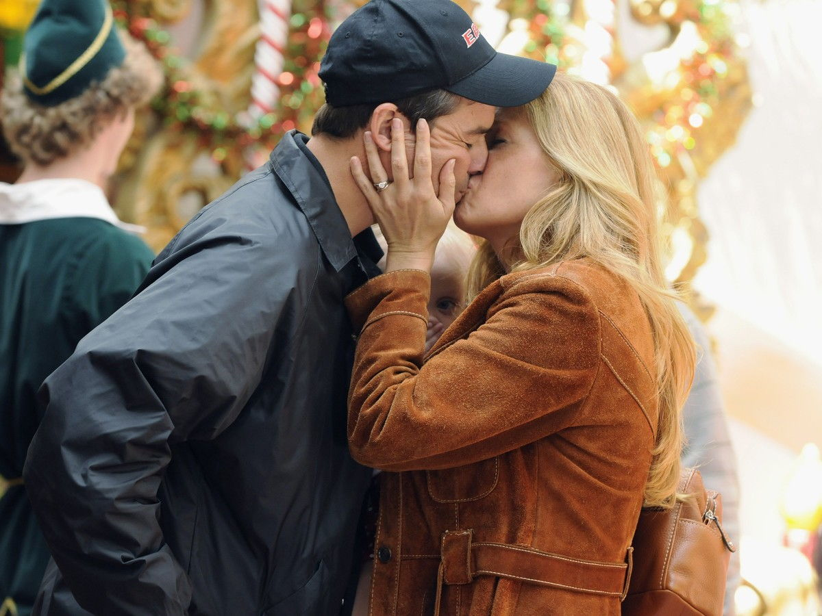Getty Eric Taylor Tami Taylor Kissing Friday Night Lights