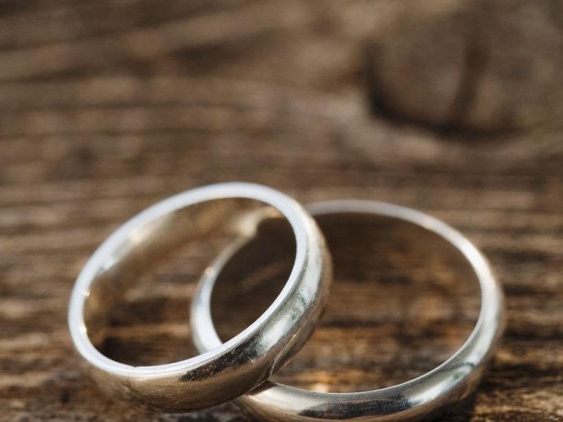 που χρονολογείται στον σκοτεινό γάμο