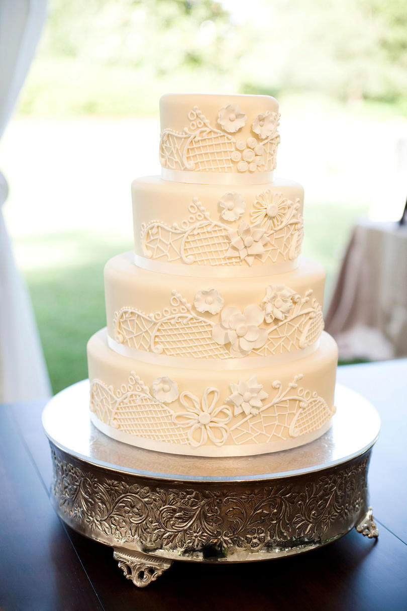 Cukor Embroidery Cake